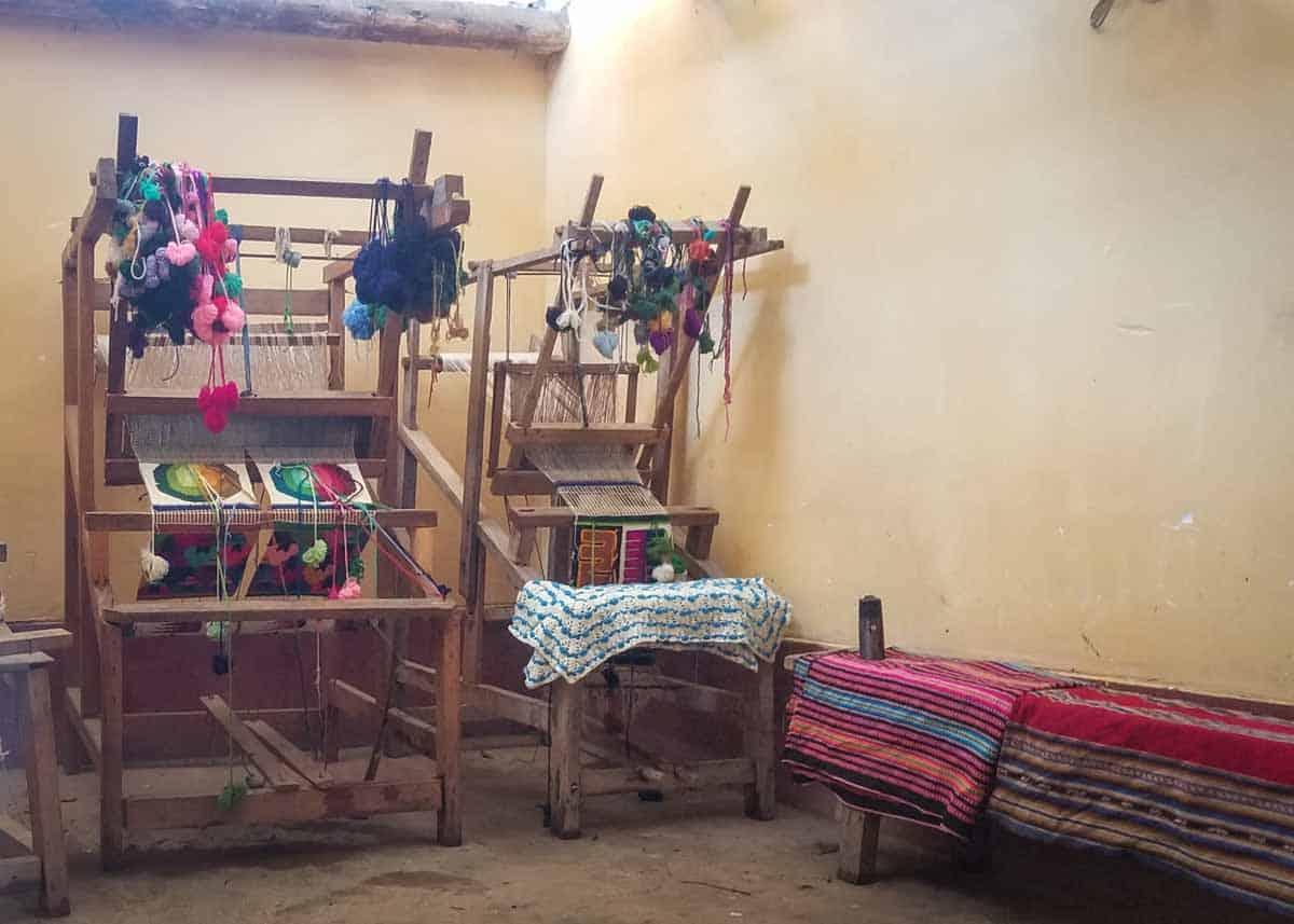 Weaving cloth in Media Luna Peru