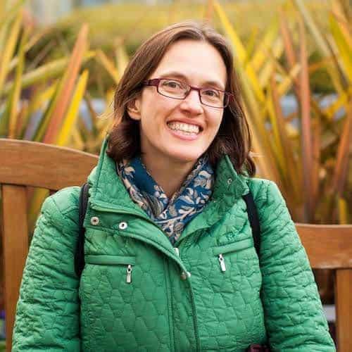 Jennifer P. is the travel blogger behind Sidewalk Safari